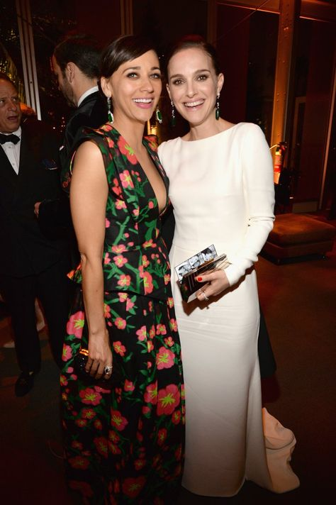 Pin for Later: Les Stars se Sont Laissé Aller à la Soirée Vanity Fair Rashida Jones et Natalie Portman