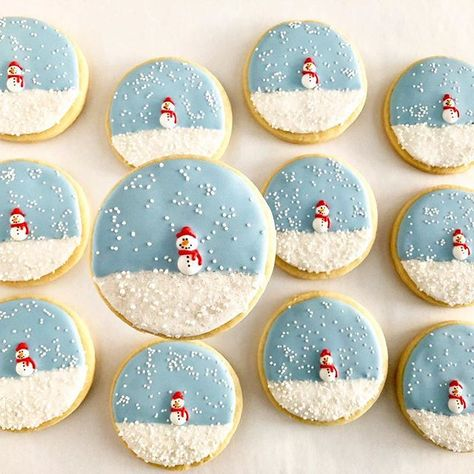 starts again with these simple snowmen of our . starts again with these simple snowmen of our ., starts again with these simple snowmen of our . starts again with these simple snowmen of our . Christmas Sugar Cookies, Christmas Snacks, Christmas Cooking, Christmas Goodies, Holiday Cookies, Holiday Baking, Christmas Candy, Christmas Desserts, Christmas Tree