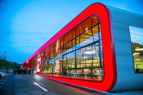 supermarket design- red frame
