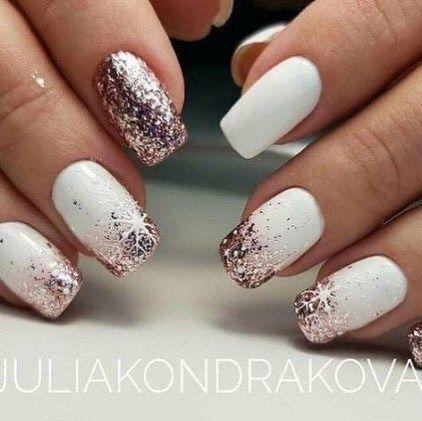 glitter christmas nails, winter nail art , christmas nail art designs #winternai... - Nail art designs - #Art #Christmas #designs #Glitter #nail #Nailartdesigns #nails #Winter #winternai