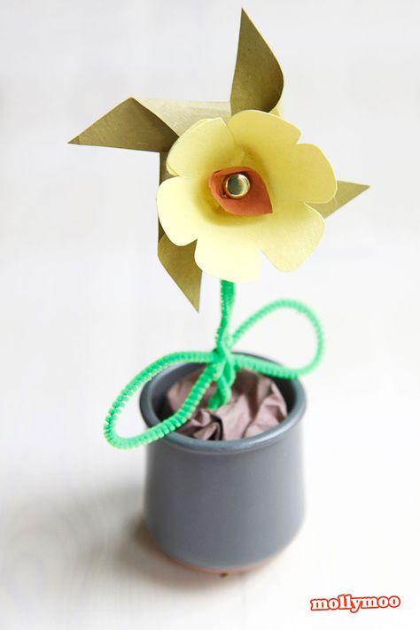Paper Pinwheel Flower - perfect for kid-made birthday pressie, mother's day keepsake or teacher appreciate gift | MollyMooCrafts.com
