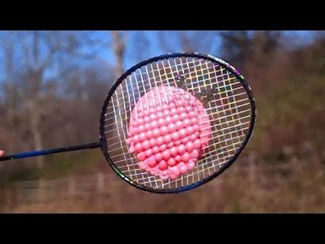 Badminton Racquet Vs Water Balloons At 25 000 Fps Slow Motion Read The Rest Of This Entry Https Badmintonracket Water Balloons Balloons Badminton Videos