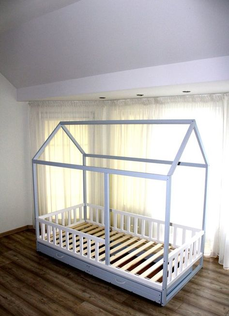 Bemalt Mit Oko Farbe Kleinkindbett Kinderbett Montessori Bett