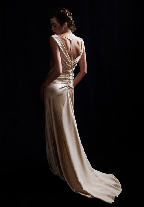 1940's inspired gown - Love the back.
