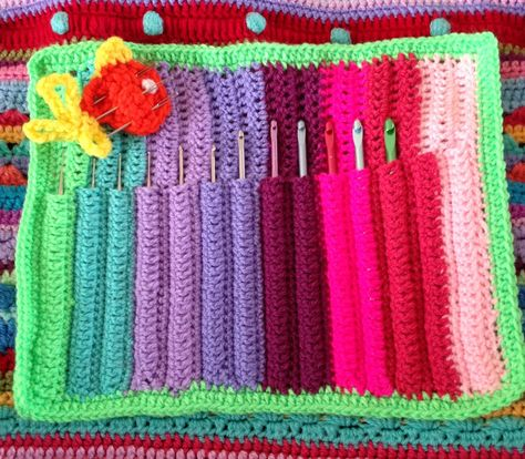 Free Crochet Star Hook Case Pattern : Crochet-Containers and Covers on Pinterest 159 Pins