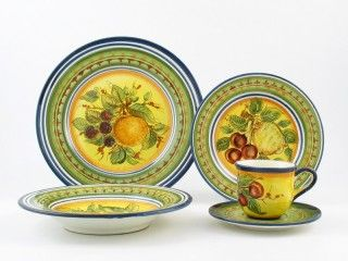 Campagna pottery is a hymn to joy. The warmth of its colours and the juicy ripe fruit will bring to your home the perfumes and taste of a summer in Italy. The plates and chargers come in 6 different designs, for you to create your favourite majolica place settings. Mixing and matching is highly recommended!