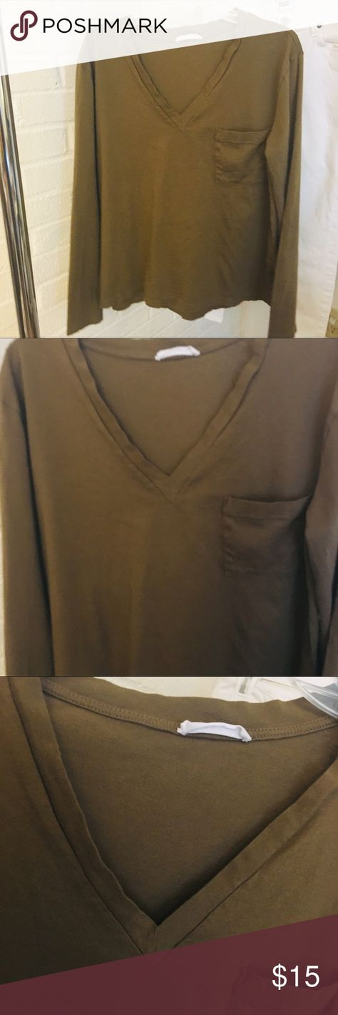 LUSH long sleeve tee size Small | Army Green LUSH long sleeve tee size Small | Army Green  Cotton-Good condition-great for layering! Lush Tops Tees - Long Sleeve