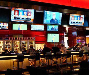 Het gemiddelde café (of restaurant zelfs) heeft 37 televisieschermen