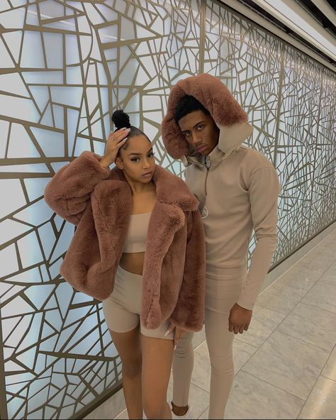 p i n: 𝖑𝖎𝖛𝖉𝖍𝖆𝖉𝖔𝖓♥ Cute Black Couples, Black Couples Goals, Cute Couples Goals, Black Relationship Goals, Couple Goals Relationships, Couple Relationship, Relationship Pictures, Matching Couple Outfits, Matching Couples