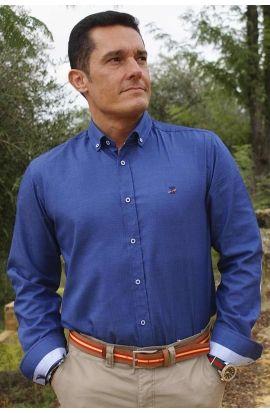 Camisa Azul de Coderas Negras   Camisa azul cielo, Ropa