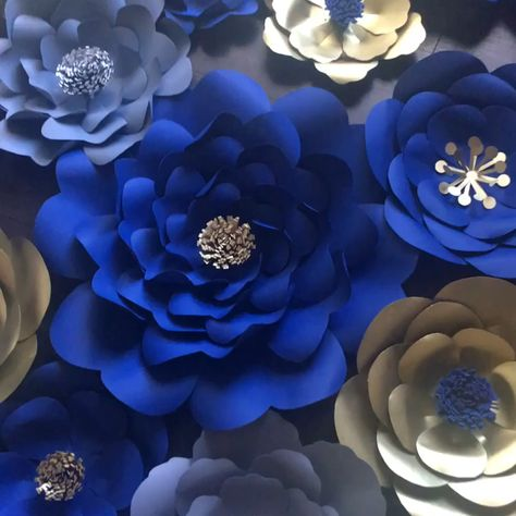 This Gorgeous paper flower backdrop is great for any birthday party decoration or any event #paperflowersbackdrop #bluenavyflowers #birthdaypartydecor #paperflpowerdesign #nurserydecor #babyshower #sweet16 #quincenerabackdrop