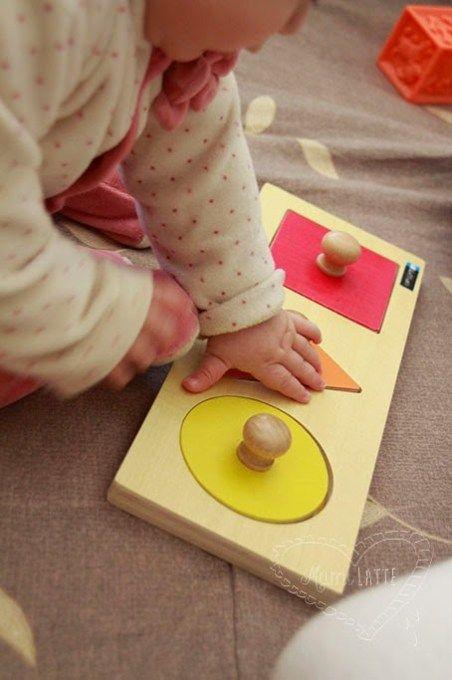 El Juego De Los 6 A 12 Meses Pedagogía Montessori Juegos Didacticos Para Bebes Juguetes Montessori Actividades Montessori