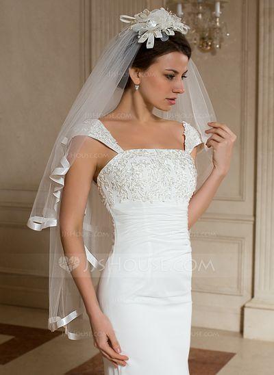 - $38.99 - 2 couches Voile de mariée longueur bout des doigts avec Bord en ruban (006024464) http://jjshouse.com/fr/2-Couches-Voile-De-Mariee-Longueur-Bout-Des-Doigts-Avec-Bord-En-Ruban-006024464-g24464