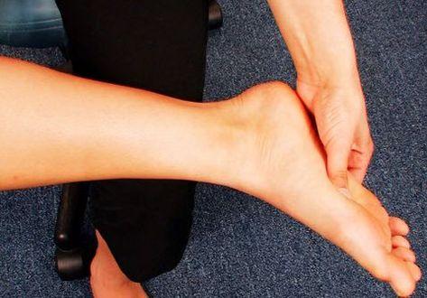 face clic pe o articulație cu durere dureri de cot la copii