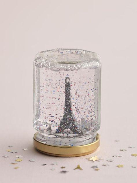 Eiffel Tower Snow Globe > Paris in a jar! Paris Room Decor, Paris Rooms, Paris Bedroom, Diy Room Decor, Paris Themed Birthday Party, Paris Party, Spa Birthday, Diy Snow Globe, Snow Globes