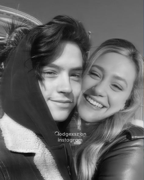 manip lili reinhart and cole sprouse