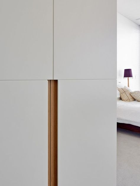 Robe Handle Detail - Mosman - Debrich Custom Joinery: