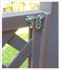 人工木ラティスで作った木製門扉キット エコウッド 人工 木 庭