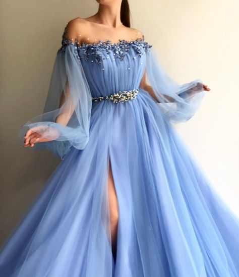 DESCRIPTIONPetite Blue Tulle Long Prom Dress Sexy Slit Evening Dress A-Line Prom Dresses Graduation Dress Hot G5621This dress could be custom made, there are no extra cost to do custom size and color.Description1, Processing time: 20 bu...