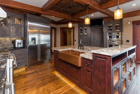 The Ultimate Lodge Style Kitchen Is Found In Runnells Iowa Designer Sarah Wolfgang Used Starmark Cabinetr Lodge Style Kitchen New Home Wishes Kitchen Styling