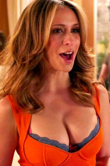 Hewitt cleavage love jennifer Yahoo ahora