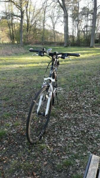 Verkaufe Hochwertiges Und Leichtes Crossrad Von Gary Fisher Trek 24 Gange Wenig Gelaufen Verk Fahrrad Crossrad Gary Fisher 28 Z Fahrrad Fisher Rad