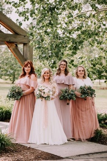 Real weddings with amazing bridesmaid dresses from Tulle and Chantilly