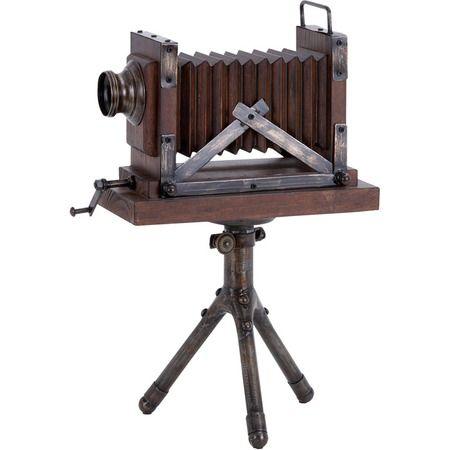 Carver Camera Décor.