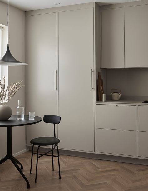 Nordiska Kök For Cooee A Minimalist Timeless Frame Kitchen In Soft Simple A Frame Remodel Minimalist Interior
