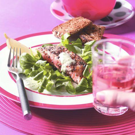 Sałatka z pieczonego łososia z majonezem chrzanowym      #przepisy #przepis #zdrowejedzenie #jedzenie #zdrowejedzenie #food #instafood #foodpic #foodporn #instarecipes