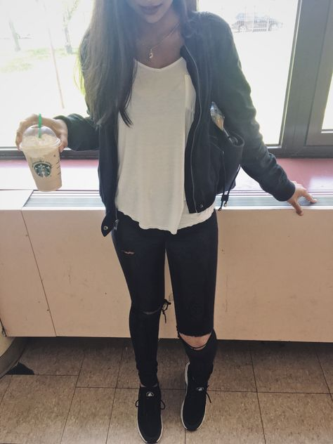 b060890680aa3 School outfit with Nike Huaraches and ripped black jeans style cool chic  Starbucks Fall fashion Winter