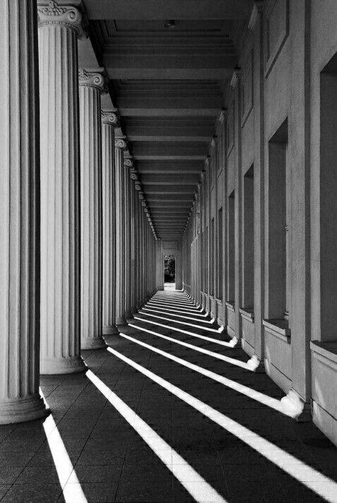 Photographie d'architecture noir et blanc #architecture #building #blackandwhite