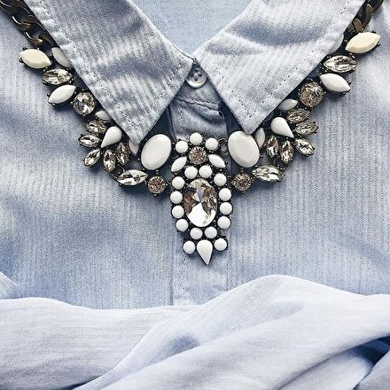 Snow White Statement Necklace #fashion #style #ootd -  24,90 € @happinessboutique.com
