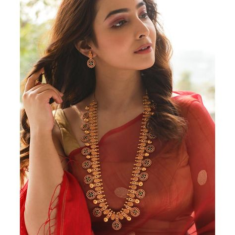 Buy the best Long Necklace Sets Indian Jewelry online from the top Long Necklace Sets manufacturer. Shop Myra Long Necklace Set online from the top brand for the best traditional and classy looks.