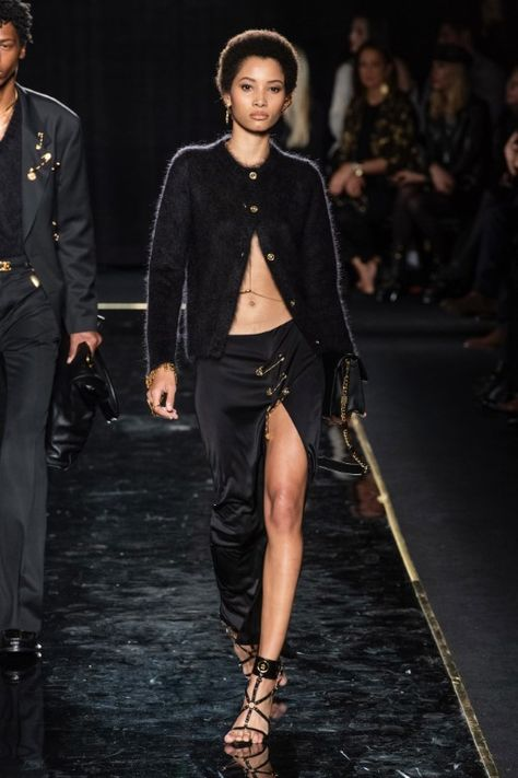 Versace Pre-Fall 2019 (PF19) Collection – New York
