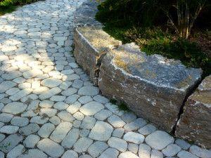 Gartenweg Pflastern Schritt Fur Schritt Mit Bildern Gartenweg Garten Gartenweg Pflastern