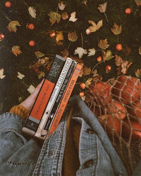 murs de papa | #autumn #fall #books #reading #orange -  #autumn #books #orange #reading