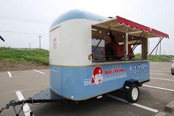 ピザ窯 薪窯 まき窯 搭載の移動販売車1 移動販売車 移動販売 ケータリングカー