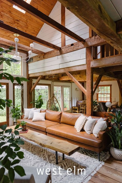 Tucked away in New York's Catskills, you'll find a made-for-Instagram dream house filled with plant walls, hanging chairs and gorgeous natural light. Take a look inside this 1845 hay barn. Design Seeds, Style At Home, Home Living Room, Living Spaces, Arreglos Ikebana, Cabin Interiors, House Goals, Log Homes, Home Fashion