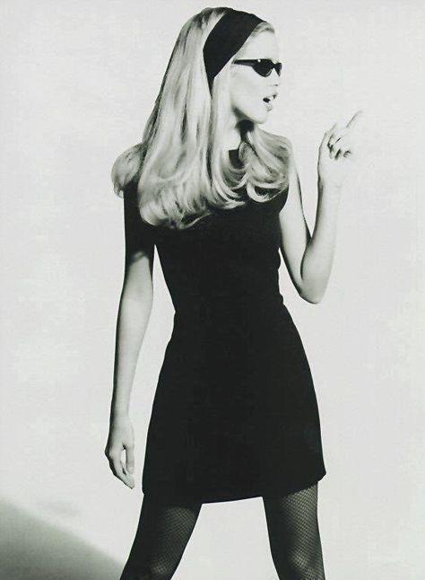 70s Inspired Fashion, 60s And 70s Fashion, Retro Fashion, Vintage Fashion, Beatnik Fashion, 1960s Fashion Women, Decades Fashion, Timeless Fashion, Claudia Schiffer