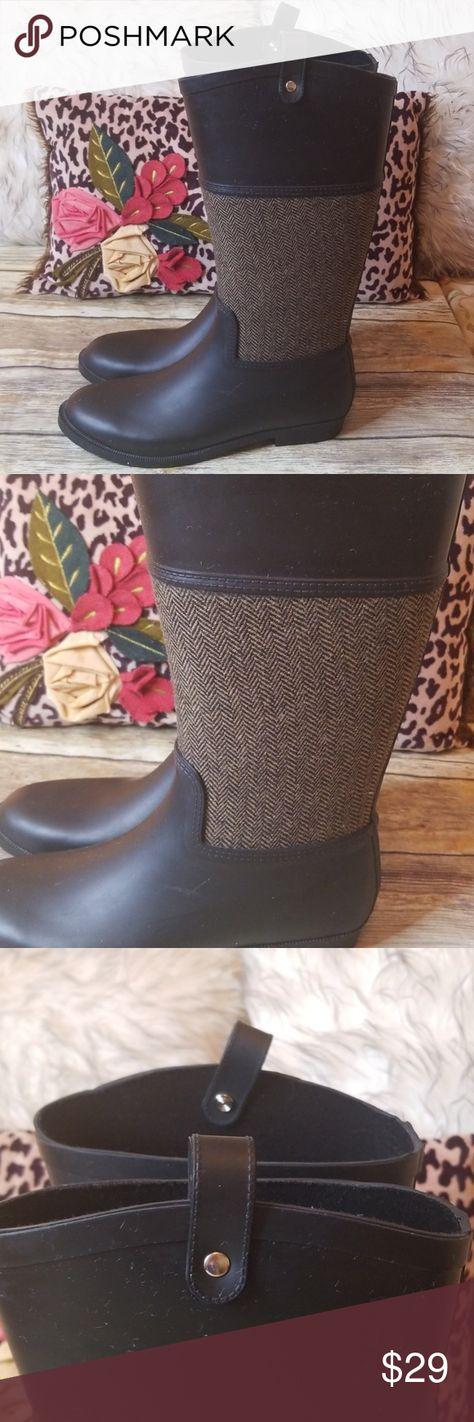 Merona Black Rain Boots Merona black and grey herringbone rain boots Black is rubber, gray herringbone is flannel like fabric Classic for those rainy days Size 8 Excellent preowned condition Merona Shoes Winter & Rain Boots