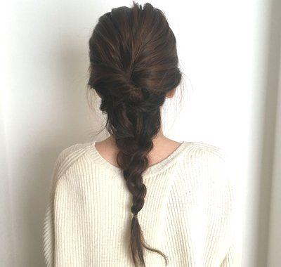 ロングヘアアレンジまとめ アップや編み込みなどの簡単まとめ髪の