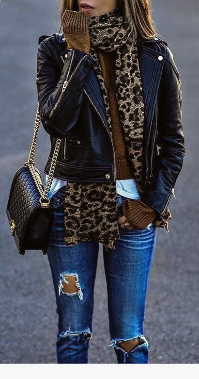 Leopard scarf, blue jeans, and black leather jacket. Leopard scarf, blue jeans, and black leather jacket. Casual Dress Outfits, Casual Winter Outfits, Mode Outfits, Fall Outfits, Fashion Outfits, Casual Fall, Outfit Jeans, Women's Fashion, Outfit Winter