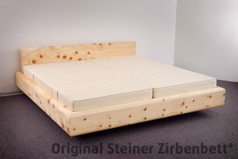zirbenbett kranzhorn, freischwebend auf unterbausockel ... - Dream Massivholzbett Ign Design