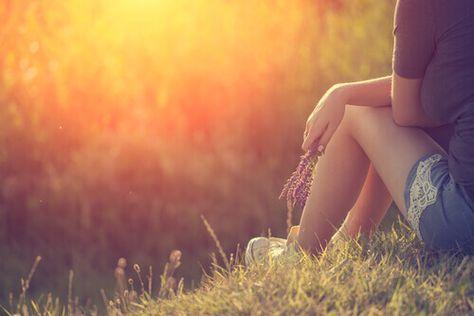 La nostra vita è permeata dal senso di colpa e dalla preoccupazione, due emozioni che non ci apportano nulla di buono.