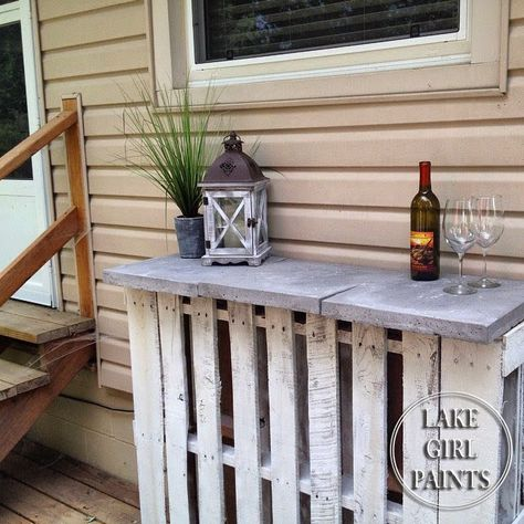 Lake Girl Paints: Pallet Mini Bar and Random Projects