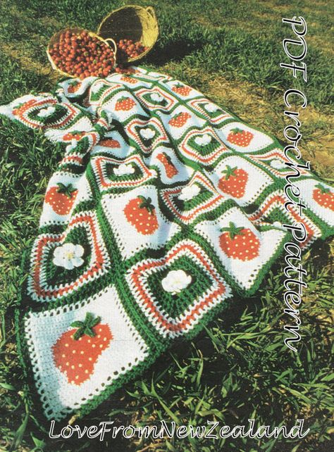 crocheted afghan/blanket with strawberries by VBlittlecraftshop on Etsy Free Crochet, Crochet Crafts, Yarn Crafts, Knit Crochet, Crochet Granny, Easy Crochet, Crochet Crop Top, Crochet Squares, Crotchet