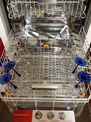 If You Wash Riedel Wine Glasses In A Miele Dishwasher Cookware Miele Dishwasher Riedel Wine Glasses Wine Glasses