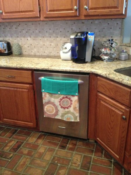 Super Easy Stay Put Kitchen Towel With Images Kitchen Towels
