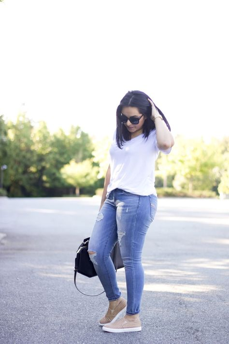 [:en]Found the most perfect basic t-shirt and paired with ripped denim and slip ons.